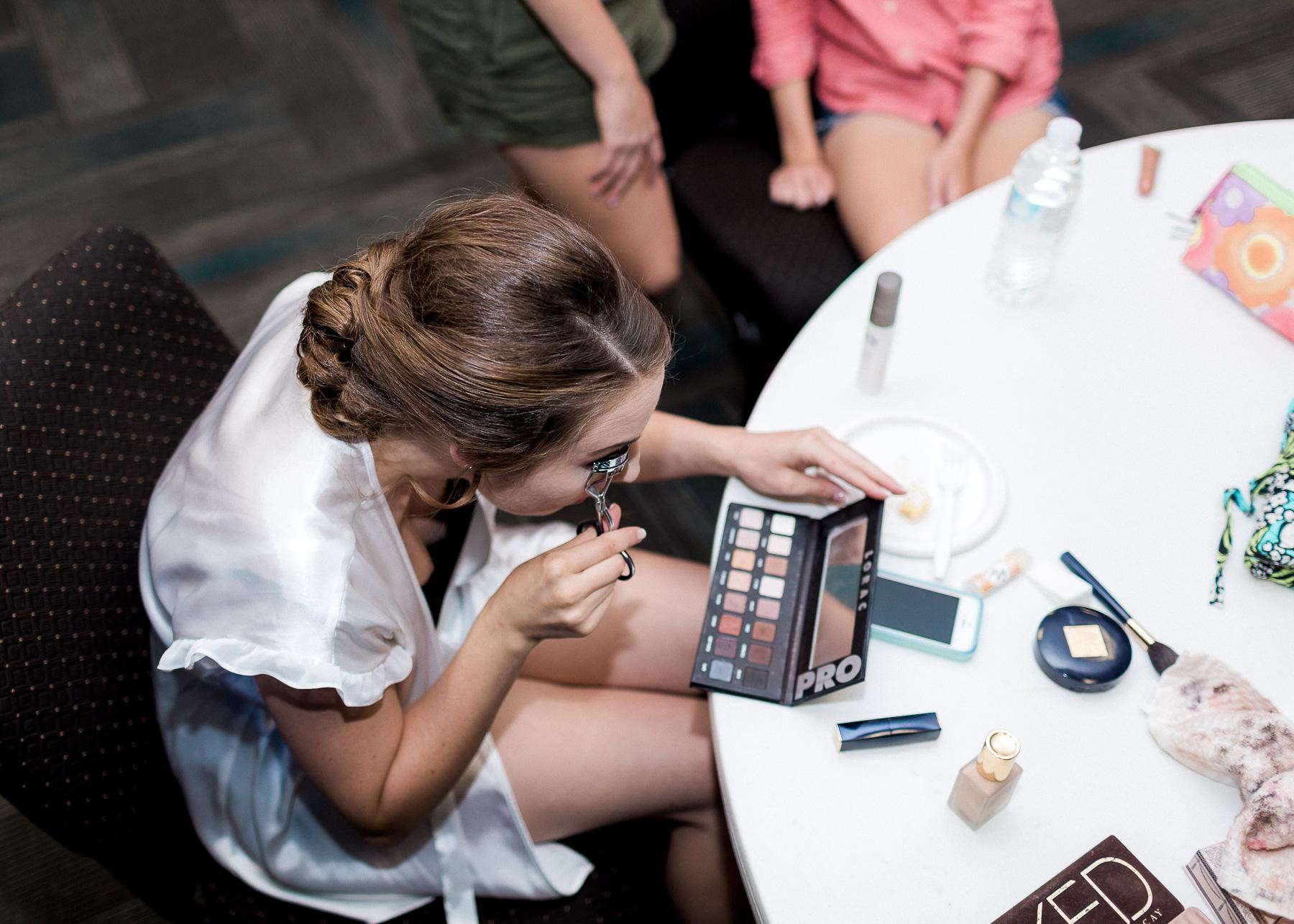 doing brides make up